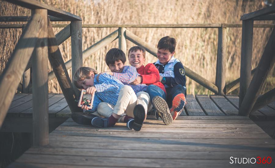 Sesión exterior de hermanos, reportaje, niños