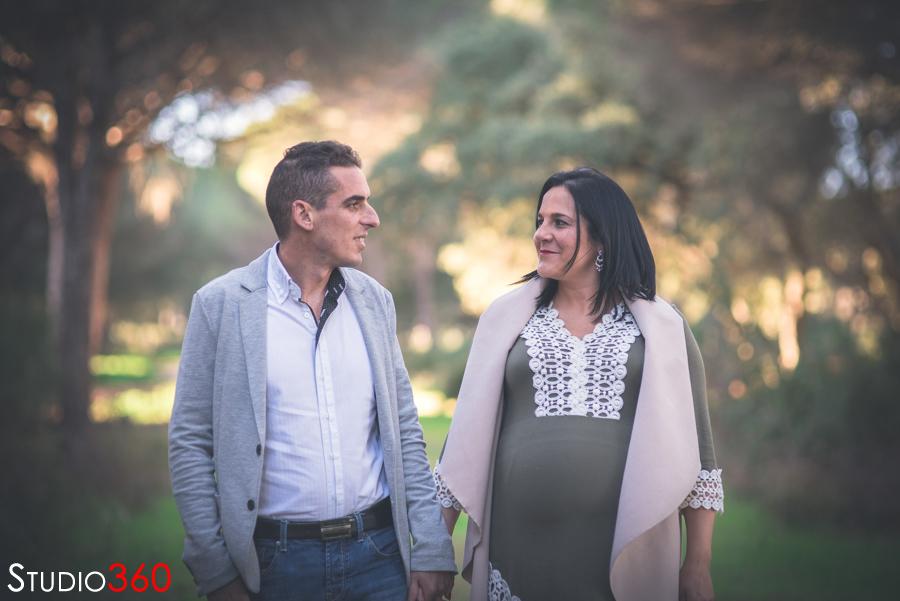 Sesión de embarazada en el Pinar del Rey, en San Roque