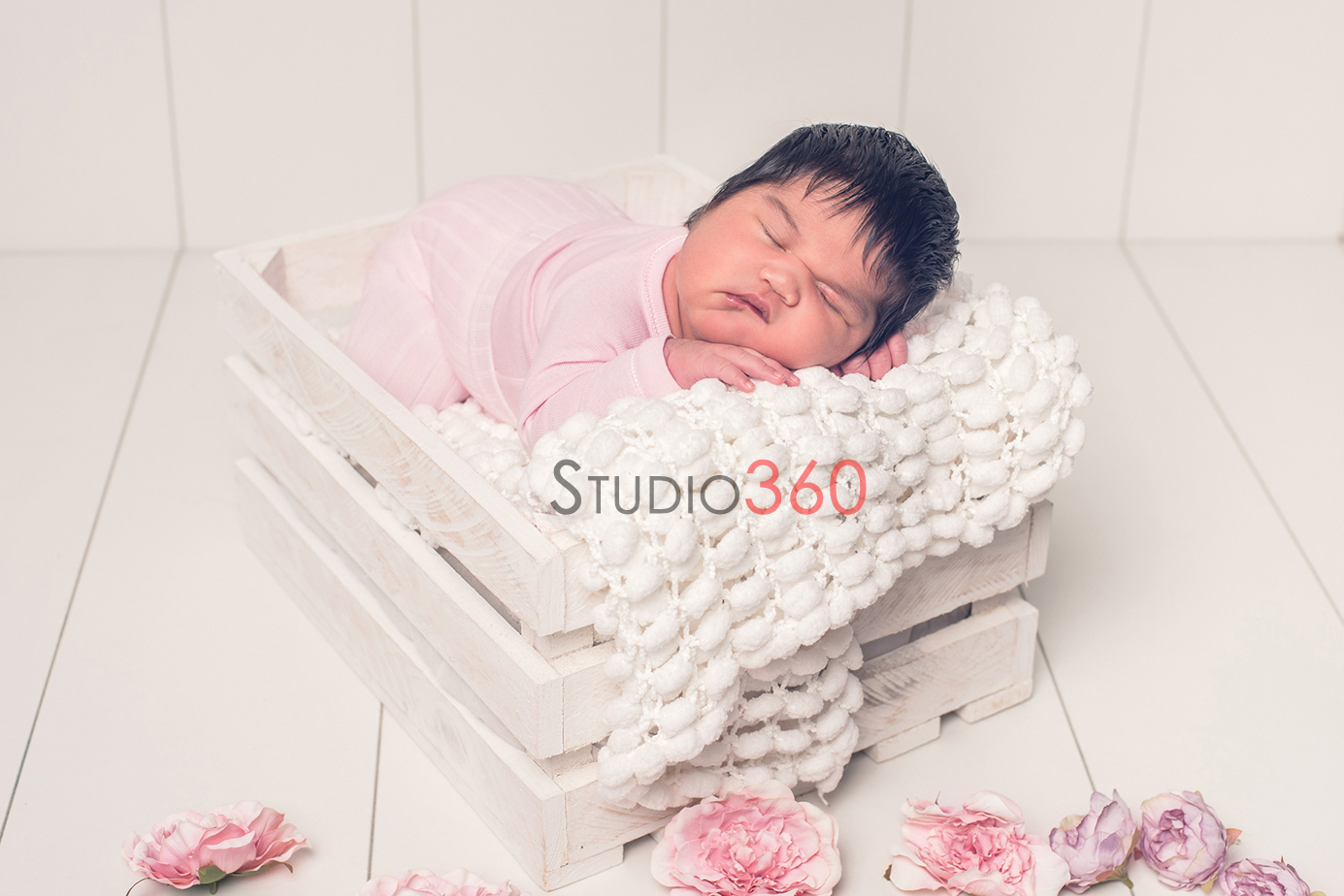 Newborn recien nacido bebe